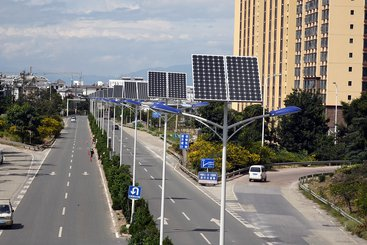 Street view of Dali City, Yunnan, People's Republic of China with installed solar panels. Photo: Asian Development Bank (CC BY-NC-ND 2.0)