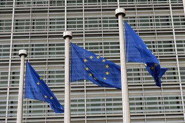 European Commission flags. Photo: Liber Europe, CC BY 2.0.