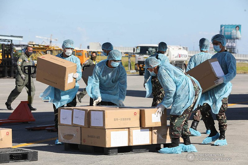 Covid-19 aid packages from China arrive in the Philippines, 2020. Photo: Presidential Communications Operations Office, CC BY-NC-ND 2.0