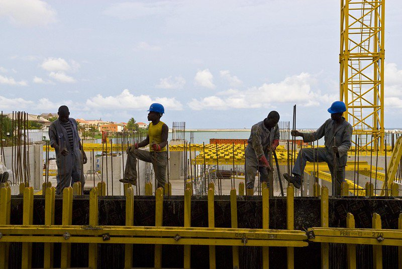 Construction workers on site. Photo: Arne Hoel / World Bank. CC BY-NC-ND 2.0