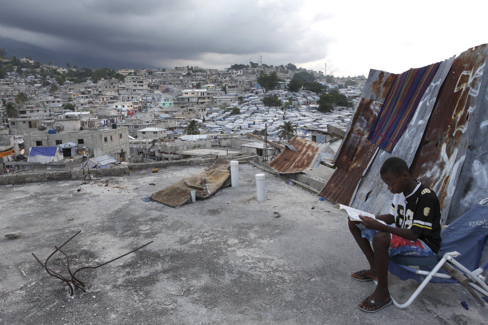 Emmanuel Wilkinton doing his science homework in Delmas 32, Haiti. Photo: © Dominic Chavez/World Bank