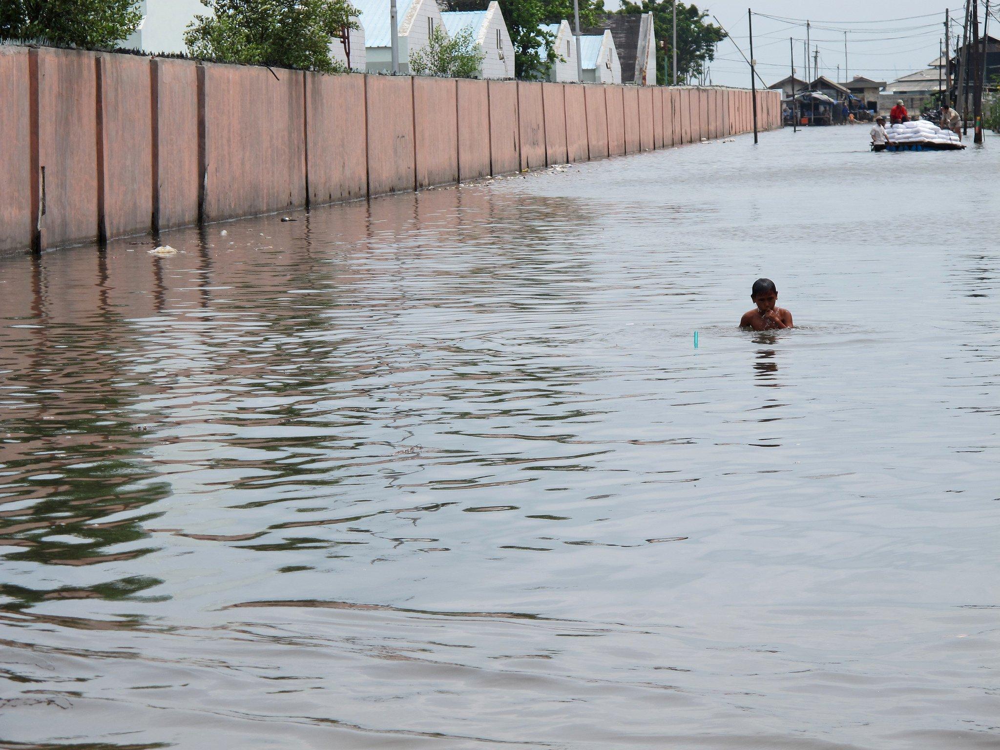 Flooding in Jakarta. Photo: Farhana Asnap / World Bank