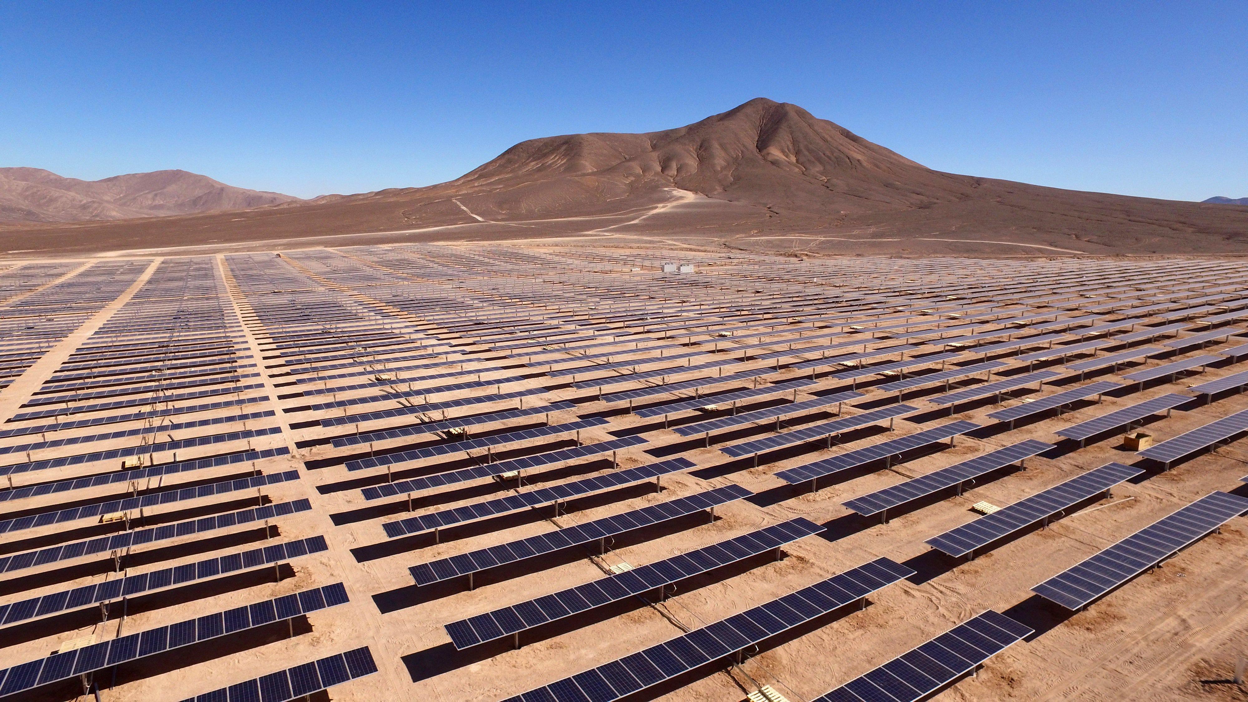 Bolero solar plant, Région de Antofagasta, Chile. Credit: Antonio Garcia/Unsplash, 2017.