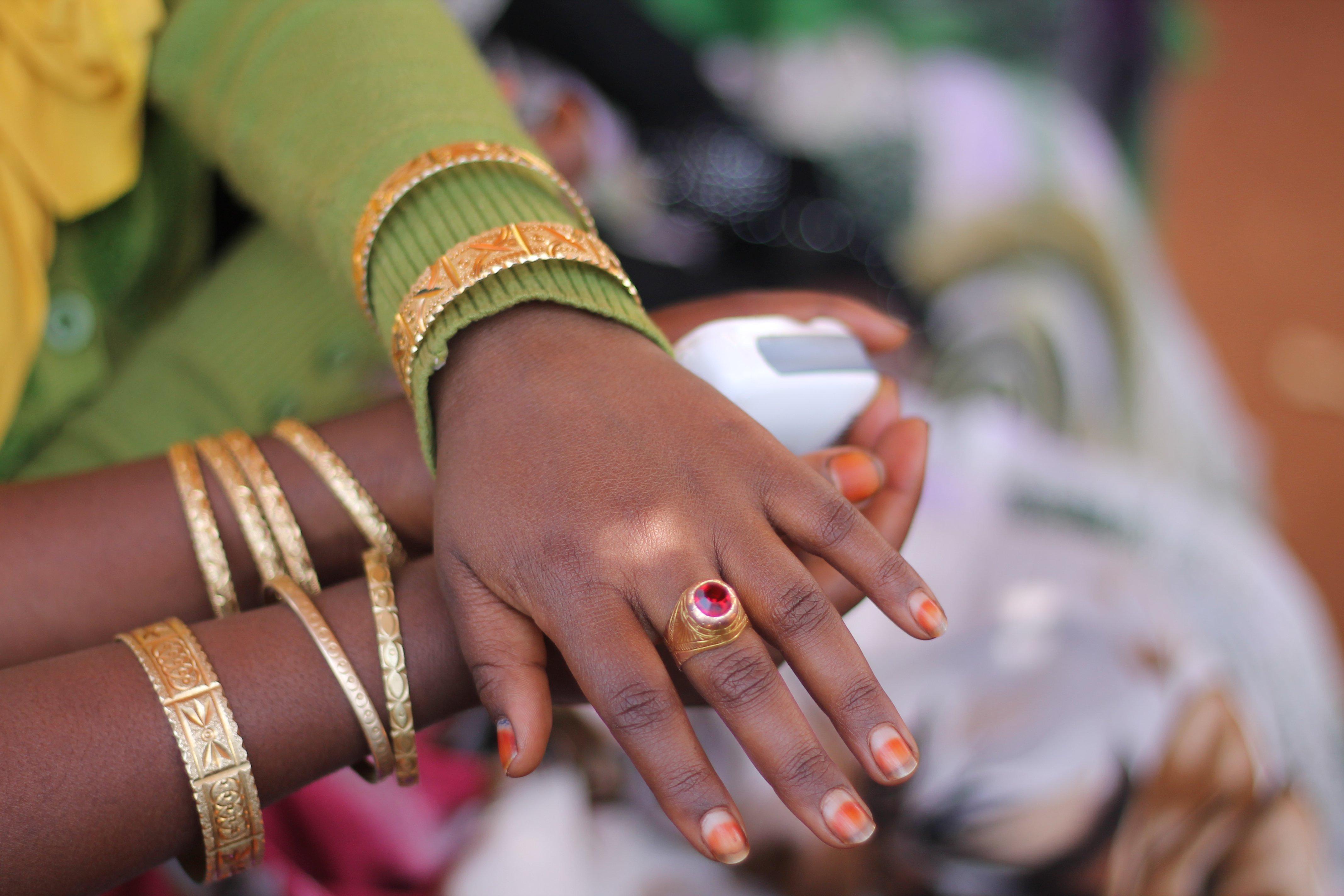 Girls' hands, Ethiopia, 2015. Photo: ODI/David Walker